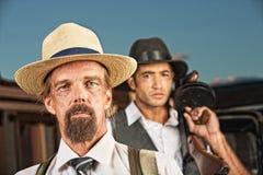 Pares de gángsteres de la era de los años 20 fotos de archivo