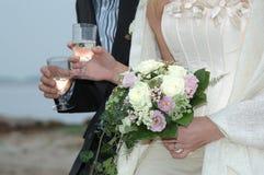 Pares de la boda Foto de archivo libre de regalías