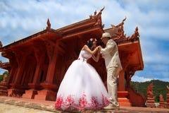 Pares de la boda en estilo tailandés, Foto de archivo