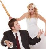Pares de la boda que tienen conflicto de la discusión, malas relaciones Foto de archivo