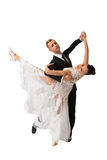Pares de la danza de Ballrom en una actitud de la danza aislados en el bachgroun blanco Fotos de archivo