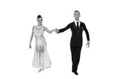Pares de la danza de Ballrom en una actitud de la danza aislados en el bachground blanco Imagenes de archivo