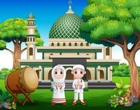 Pares de la historieta musulmanes en frente la mezquita stock de ilustración