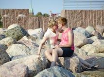 Pares de las mujeres Fotos de archivo libres de regalías