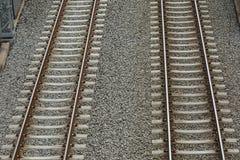 Pares de las pistas ferroviarias Fotos de archivo libres de regalías