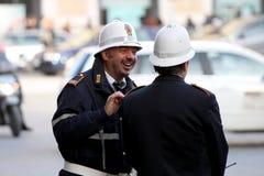 Pares de los polis (Roma - Italia) Imagen de archivo