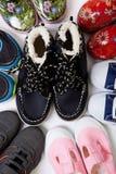 Pares de los zapatos de los niños Imagen de archivo