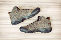 Pares de nuevos zapatos al aire libre adolescentes, de belleza y de moda Fotografía de archivo libre de regalías