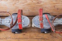 Pares de patins velhos Imagem de Stock Royalty Free