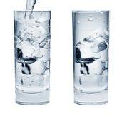 Pares de vidros da bebida da água Imagens de Stock Royalty Free