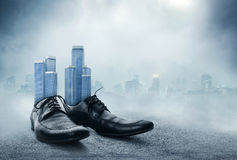 Pares de zapatos clásicos masculinos negros Fotografía de archivo