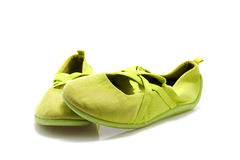 Pares de zapatos de ballet verdes Imagen de archivo