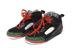 Pares de zapatos de baloncesto fotos de archivo