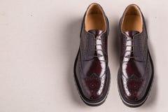 Pares de zapatos de las abarcas del hombre Fotos de archivo