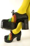Pares de zapatos retros del alto talón de la plataforma de las señoras Imágenes de archivo libres de regalías