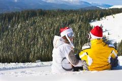 Pares del amor el vacaciones del esquí Fotografía de archivo