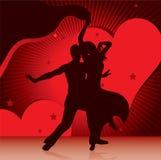 Pares del baile con el fondo de corazones Fotos de archivo