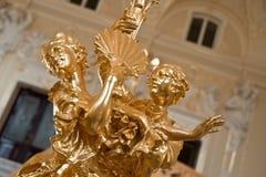 Pares del baile de la estatuilla del oro Imagen de archivo