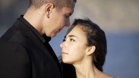 Pares del recién casado de los retratos almacen de metraje de vídeo