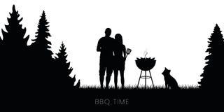 Pares del tiempo del Bbq con la barbacoa del perro y de la caldera en silueta del bosque ilustración del vector