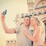 Pares del viaje de Selfie en amor en Venecia, Italia Foto de archivo libre de regalías