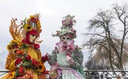 Pares disfarçados - carnaval Venetian 2013 de Annecy Imagem de Stock