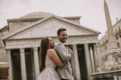 Pares do casamento em Roma, Itália Imagens de Stock
