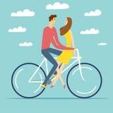 Pares dos desenhos animados no amor que monta uma bicicleta Imagens de Stock Royalty Free