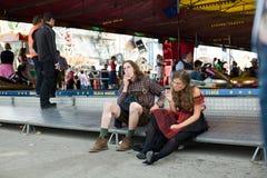 Pares em Octoberfest Fotografia de Stock