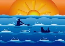 Pares em surfistas do amor no por do sol ilustração royalty free