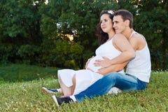 Pares embarazados Fotografía de archivo