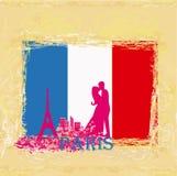 Pares en amor en París Fotos de archivo libres de regalías