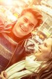 Pares en el amor - principio de Love Story Fotos de archivo