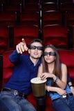 Pares en el cine Foto de archivo