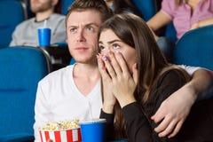 Pares en el teatro de película Fotografía de archivo libre de regalías