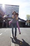 Pares en la ciudad Foto de archivo libre de regalías