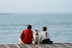 Pares en la playa Imagen de archivo
