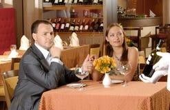 Pares en restaurante Imagen de archivo