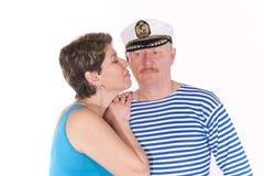 Pares envelhecidos médios que levantam como marinheiros Imagem de Stock Royalty Free