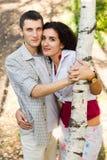 Pares felizes bonitos do amor Fotos de Stock Royalty Free