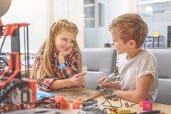 Pares felizes de crianças de sorriso Imagem de Stock Royalty Free