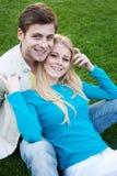 Pares felizes novos no amor Fotos de Stock Royalty Free
