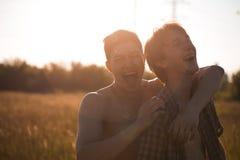 Pares gay cariñosos fotografía de archivo libre de regalías