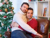 Pares gay del abarcamiento de los hombres Fotografía de archivo