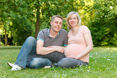 Pares grávidos Imagem de Stock