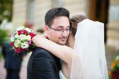 Pares hermosos de la boda Fotos de archivo