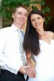 Pares hermosos de la boda Foto de archivo libre de regalías