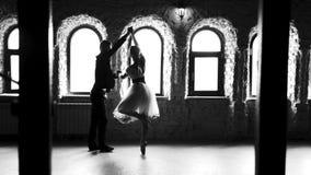 Pares hermosos del ballet almacen de metraje de vídeo