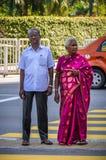 Pares indios mayores en Kuala Lumpur, Malasia Imagen de archivo libre de regalías