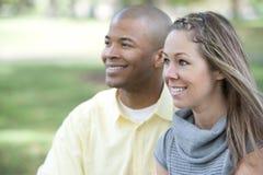 Pares interraciales felices Fotografía de archivo
